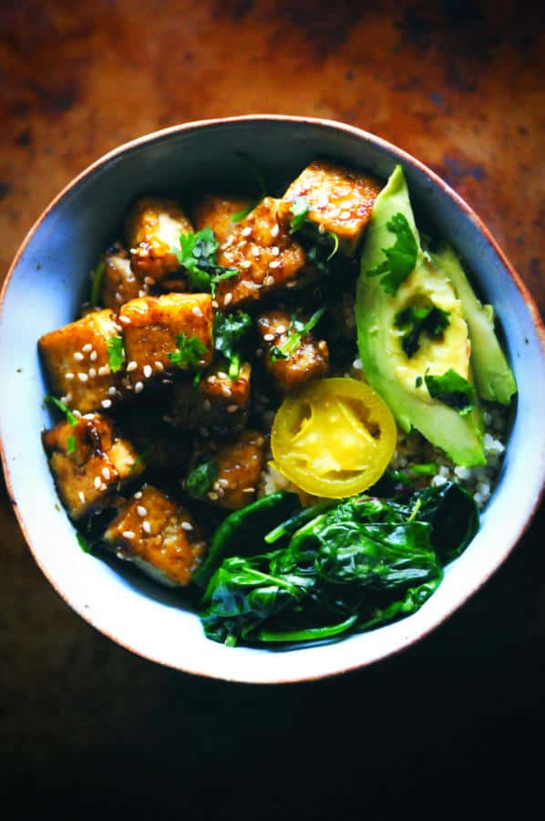 Sweet and Spicy Green Power Tofu Quinoa Bowl (Gluten-Free)