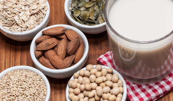 Different ingredients to make plant-based milk