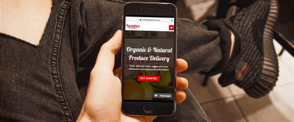 Shopping produce online on smartphone