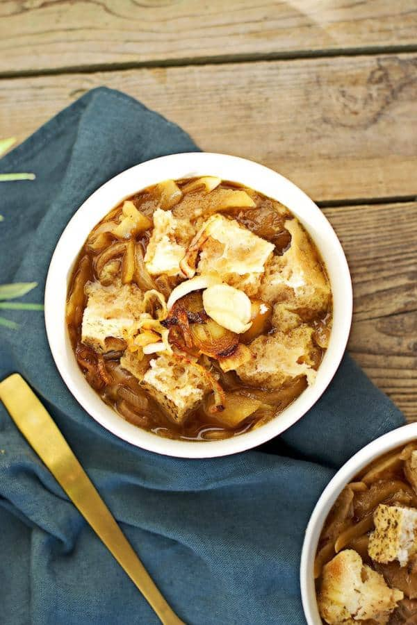 Onion Soup with Apple