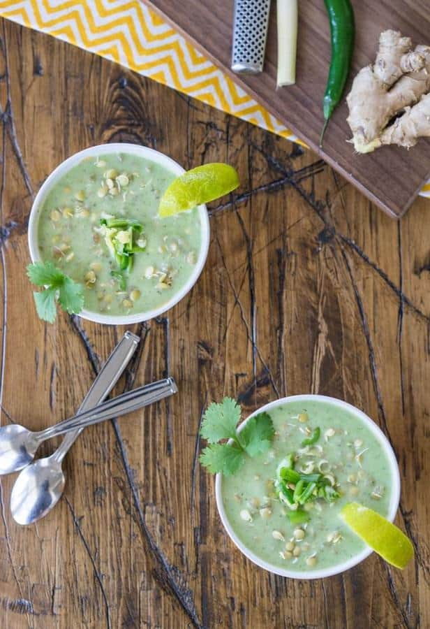 Raw Green Curry with Sprouted Lentils