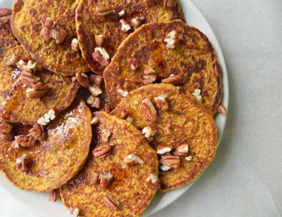 Flourless Pumpkin Oat Blender Pancakes (Gluten-Free)
