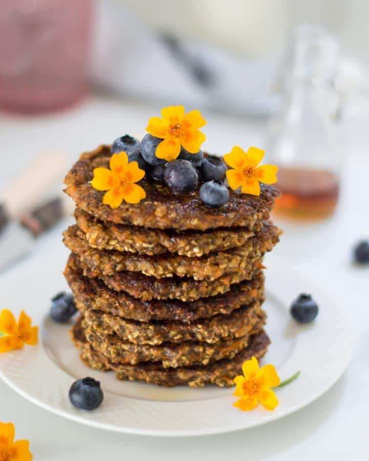 Healthy Carrot Cake Pancakes (Gluten-Free)